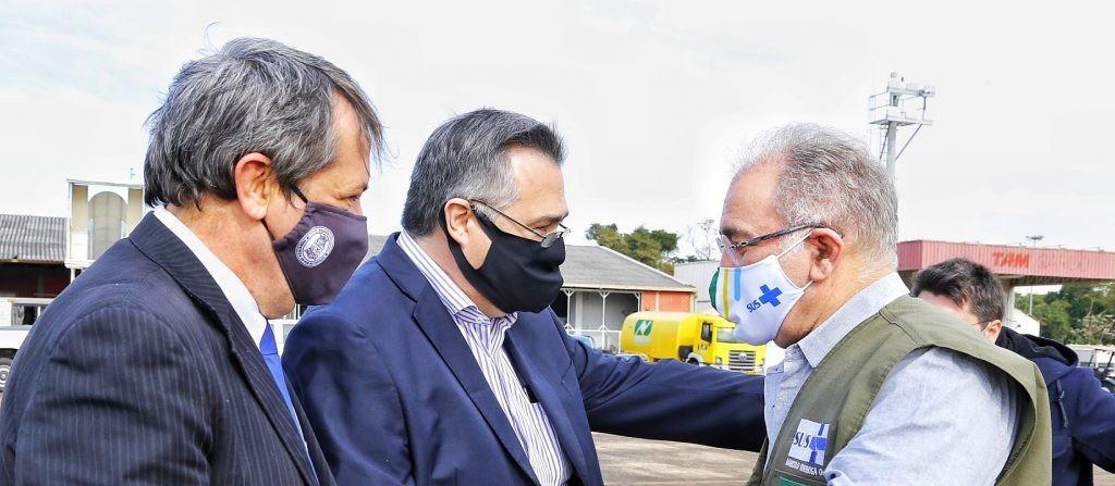 Paraná acelera vacinação contra a Covid-19 na fronteira
