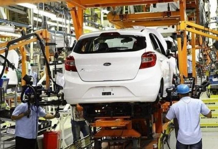 Economista comenta sobre o futuro da indústria automobilística no mundo