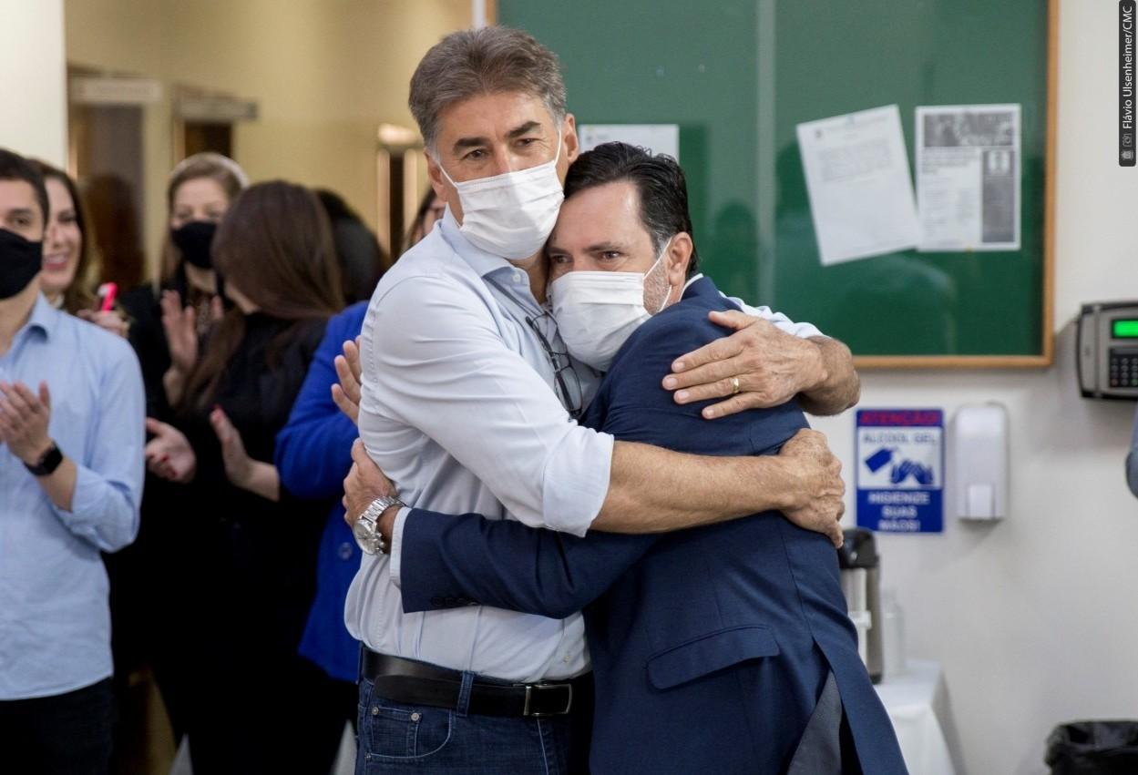 Alécio retorna às atividades na presidência da Câmara após afastamento médico