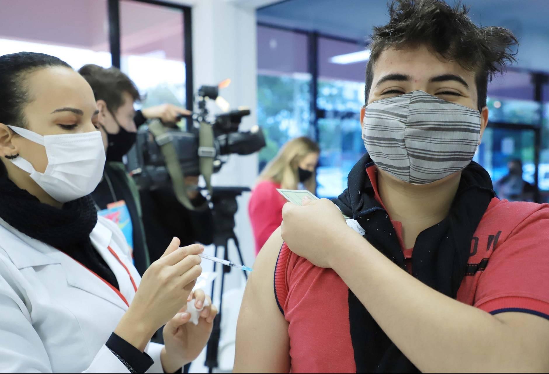 63% dos adolescentes de Toledo já foram vacinados com a primeira dose contra a Covid-19