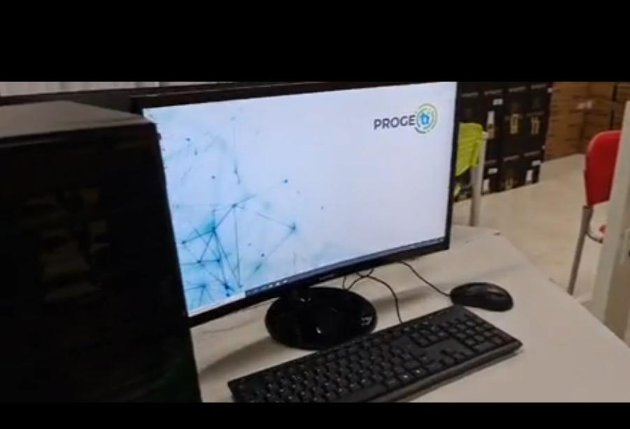 Fundetec recebe 30 computadores para desenvolver programa de geração de emprego em TI