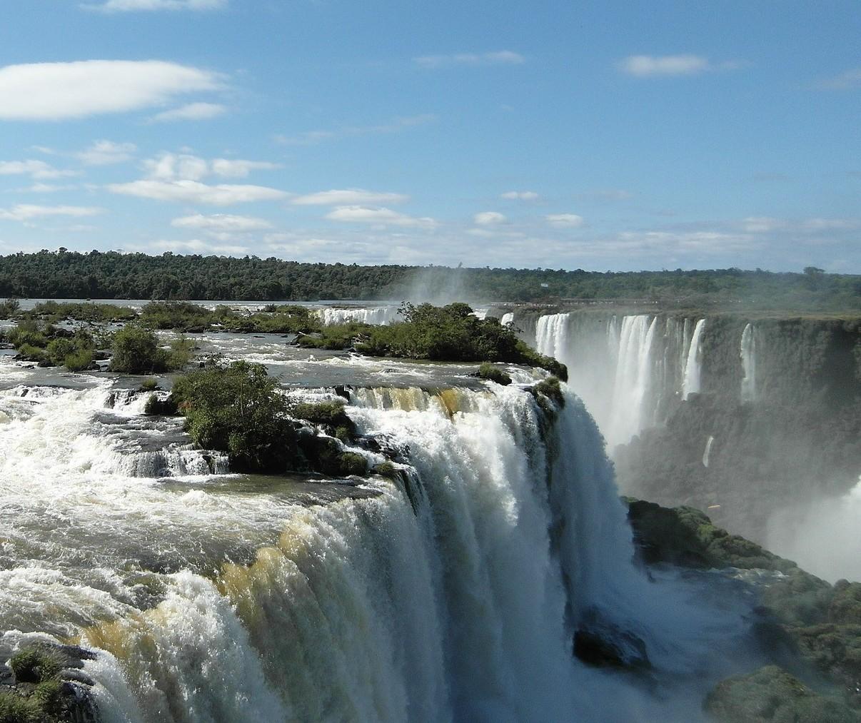 Cataratas do Iguaçu recebem 11 mil visitantes
