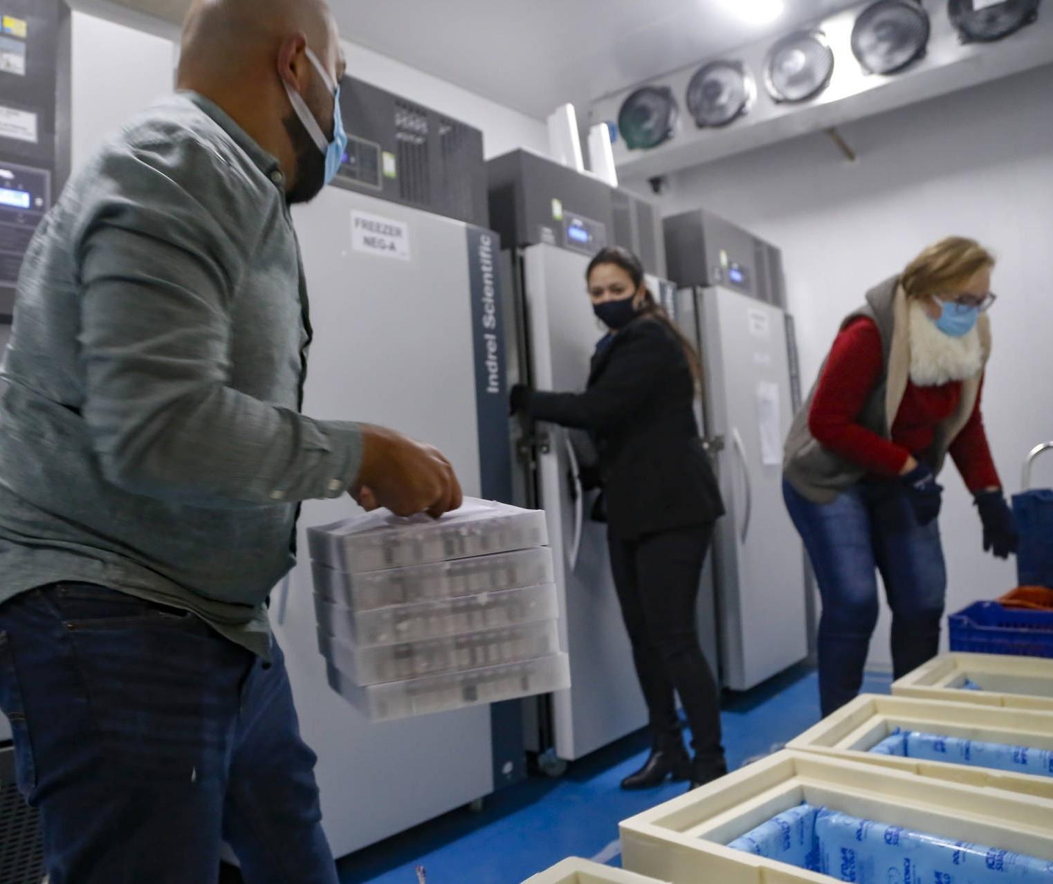 Novas vacinas contra a Covid-19 chegam ao Paraná nesta sexta-feira